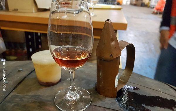 Penderyn Distillery Fassprobe im Glas